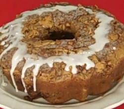 Fresh Apple Cake with Cinnamon, Walnut Streusel