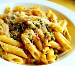 Frugal Fabulous Penne Pasta with Prosciutto and Peas