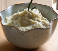 Garlic and Herb Mashed Cauliflower | Paleo