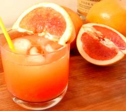 Grapefruit Greyhound Cocktail