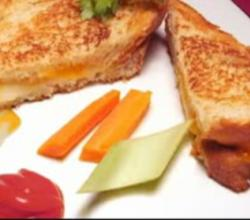 Cheesy Grilled Sandwich
