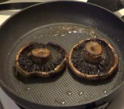 Grilled Chicken & Portobello Mushrooms