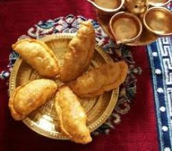 Gujarati Sweet Dumpling  Part 1 -  Frying of the Gujia
