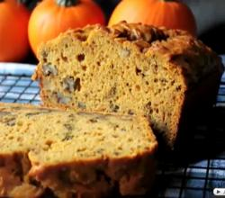 Holiday Pumpkin Bread with Walnuts