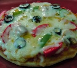 Yeast Free Pan Pizza with Pizza Sauce (No Bake Pizza)