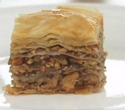 How to Make Baklava - It's Easy to Make this Delicious Greek Dessert by Rockin Robin