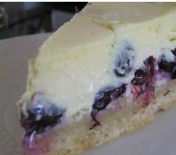 Blueberry and Hazelnut Cheesecake