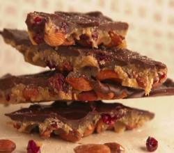How to Make Dark Chocolate Caramel Almond Candy