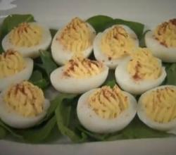 How To Make Delicious Deviled Eggs - Easy and Delicious Stuffed Eggs