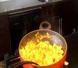 How to Make Scrambled Egg Indian Style (Ande ki Bhurji)