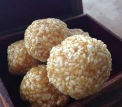 How to Make Til Ladoo - Indian Sweets (Lohri Special)