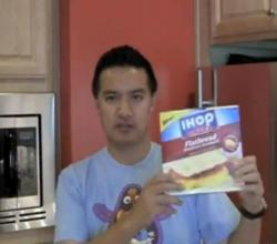 IHOP At Home Applewood Bacon/Egg Cheese Flatbread Breakfast Sandwiches Review