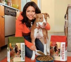Rachael Ray Donates $500,000 Food To Sandy Pets