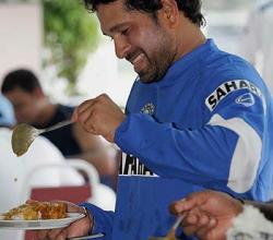 Sachin Tendulkar Loves Pakistani Street Food