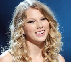 Taylor Swift Toasts Big Win With Sushi