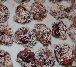 Tips To Make Blackberry Balls For A Perfect Dinner Party