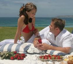 Best 5 Romantic Picnic Menus For Valentines Day