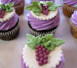 Easy Grape Cupcake Ideas