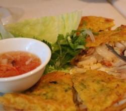 How To Serve The Vietnamese Pancakes