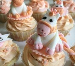 3 Easy Peach Cupcake Ideas
