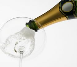 Tips To Keep Your Champagne Bubbly For Longer
