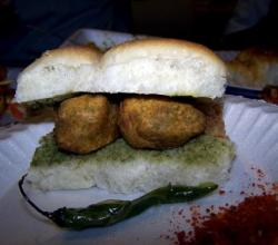 Vada Pav:Lifeline of mumbai