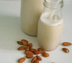 What Are The Health Benefits Of Almond Milk