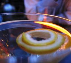 Lemon Martini Garnishing Tips