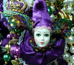 How To Follow Sweet 16 Mardi Gras Theme For A Perfect Dinner