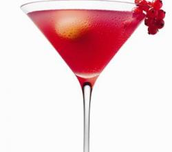 Pomegranate Martini Garnishing Tips