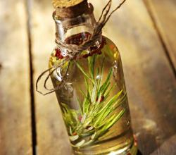 What Are The Uses Of Rosemary Oil