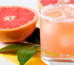10 Easy Grapefruit Cocktails