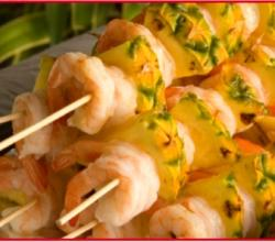 How to make grilled shrimp kabobs the Hawaiian Style