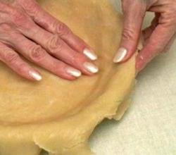 How To Make A Lighter Pie Crust