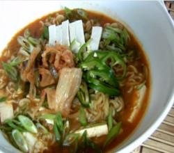 Korean Instant Ramyeon Noodles