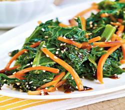 Kale, Carrots & Sesame Seeds with Stir-Fry Sauce