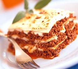 Lasagna with Pork and Cheese Sauce