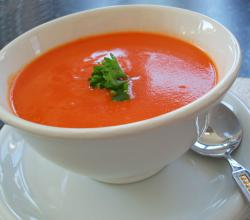 Low-carb Tomato and Capsicum Soup 