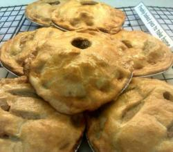 Fried Meat And Pine Nut Pies