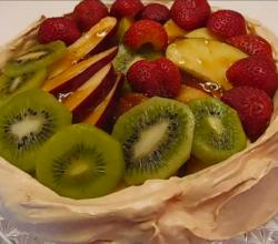 Betty's Meringue Shell with Fruit Topping
