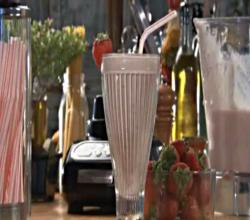 How-to make a Fresh Fruit Milk Shake