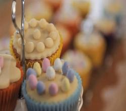 Holly Bell's Mini Simnel Cupcakes
