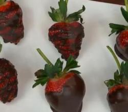 Mmmint Dark Chocolate Strawberries