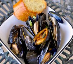 Mussels with Garlic and Ginger