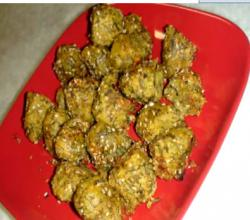 Muthia or Muthiya (Steamed Dumplings with Vegetable or Herb)