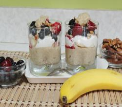 Oatmeal Parfait- Quick Healthy Breakfast