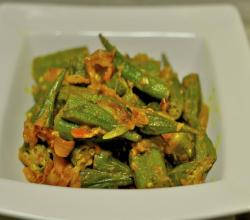 Kadai Bhindi Pakistani / Indian Okra and Tomatoes