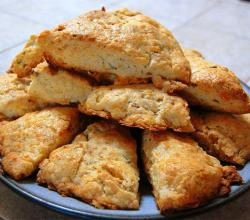 Old-Fashioned Cream Scones