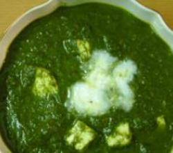 Palak Paneer (Spinach & Cheese)