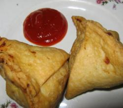 Paneer And Vegetable Samosas